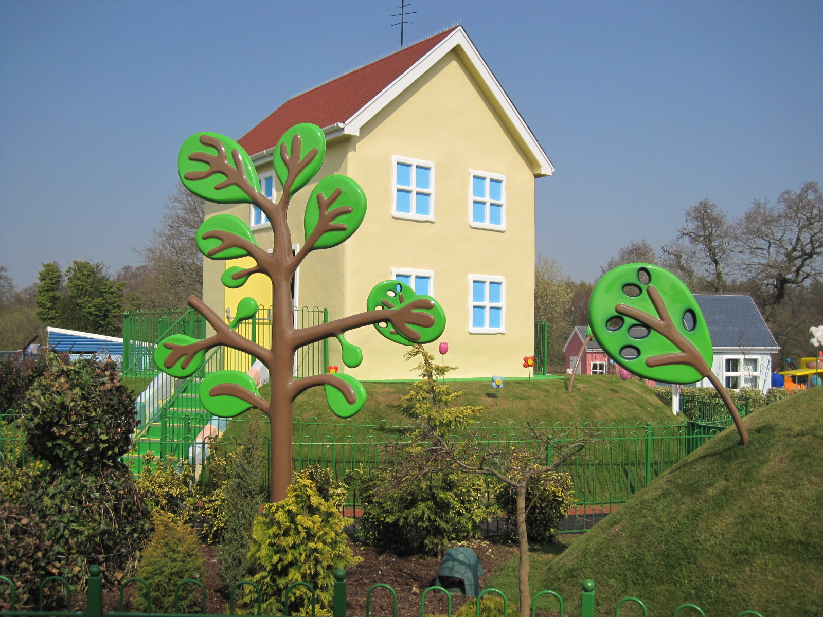 Peppa Pig World Project Complete Shapes Grp