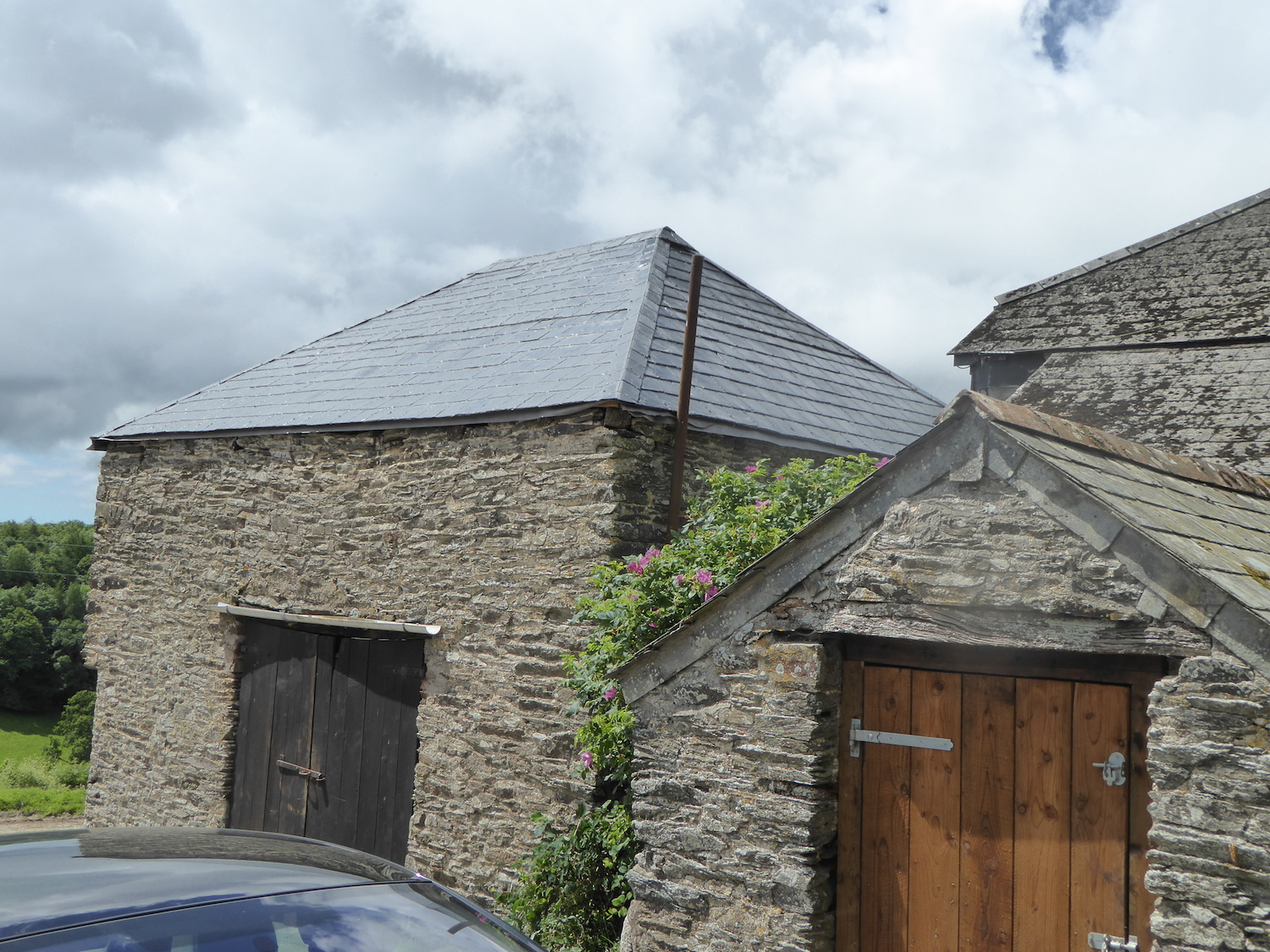 Barn Roof Using Grp Slate Tiled Roofing Sheets Shapes Grp